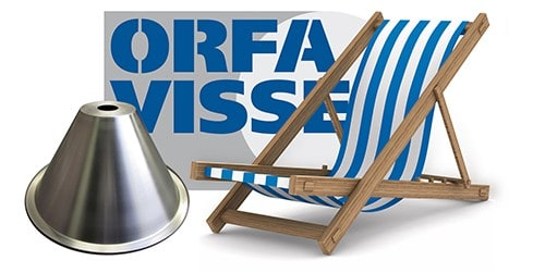 Strandstoel naast Orfa visser logo